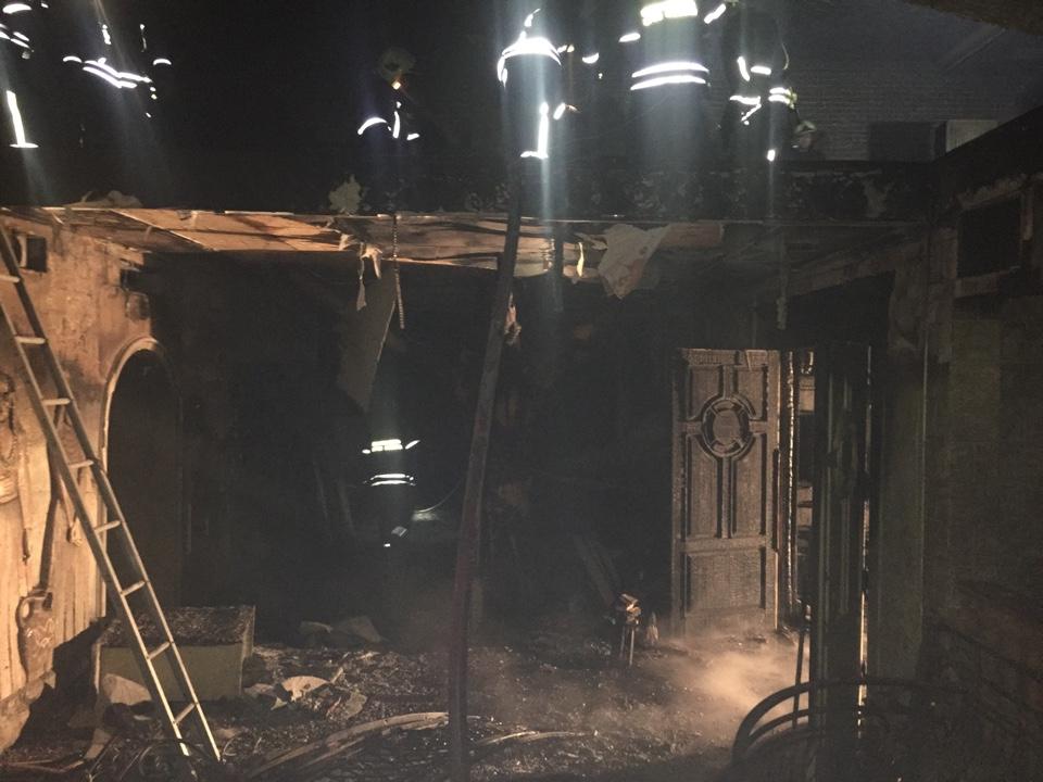 Пожарные спасли речной дебаркадер от огня
