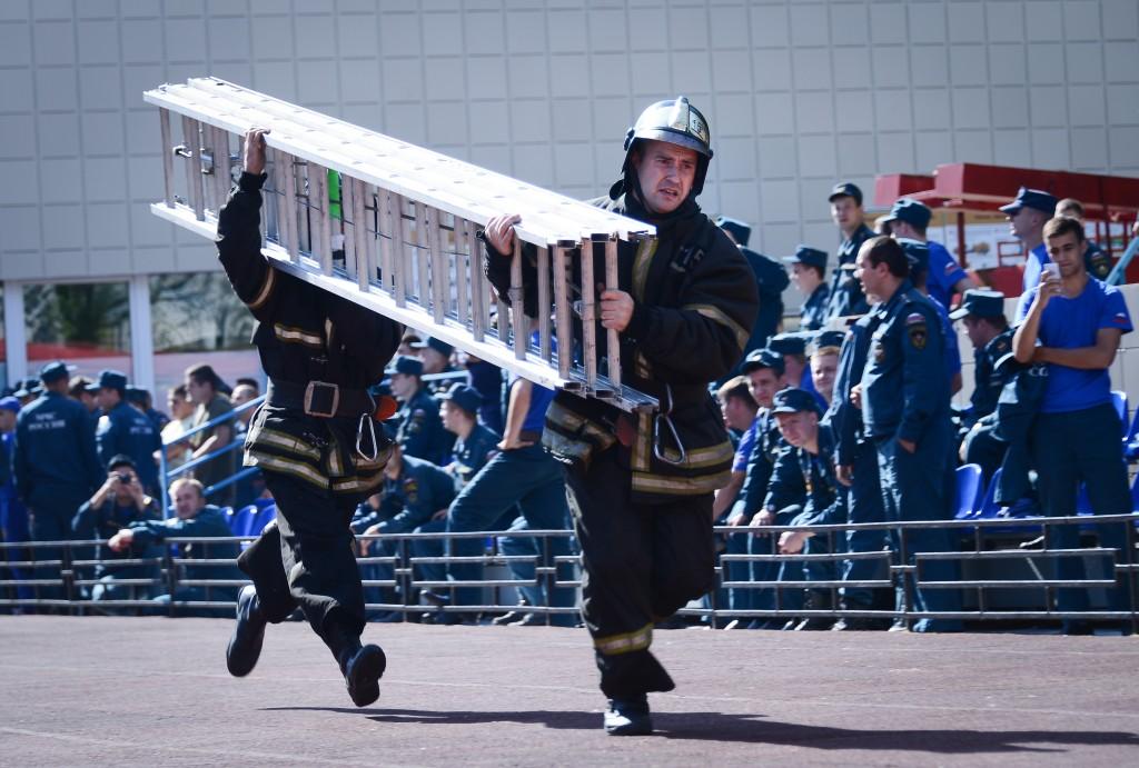 Пожарники покажут шоу лестниц в Парке Горького