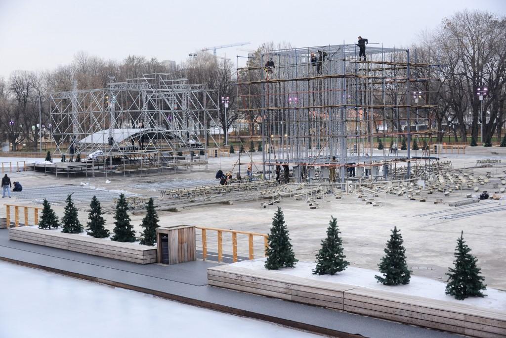 На экскурсию по Парку Горького - скандинавской ходьбой