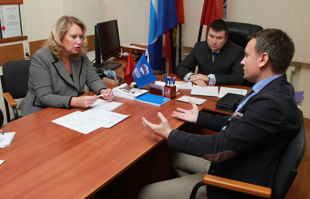 В Единый день приема граждан к депутатам обратилась тысяча москвичей