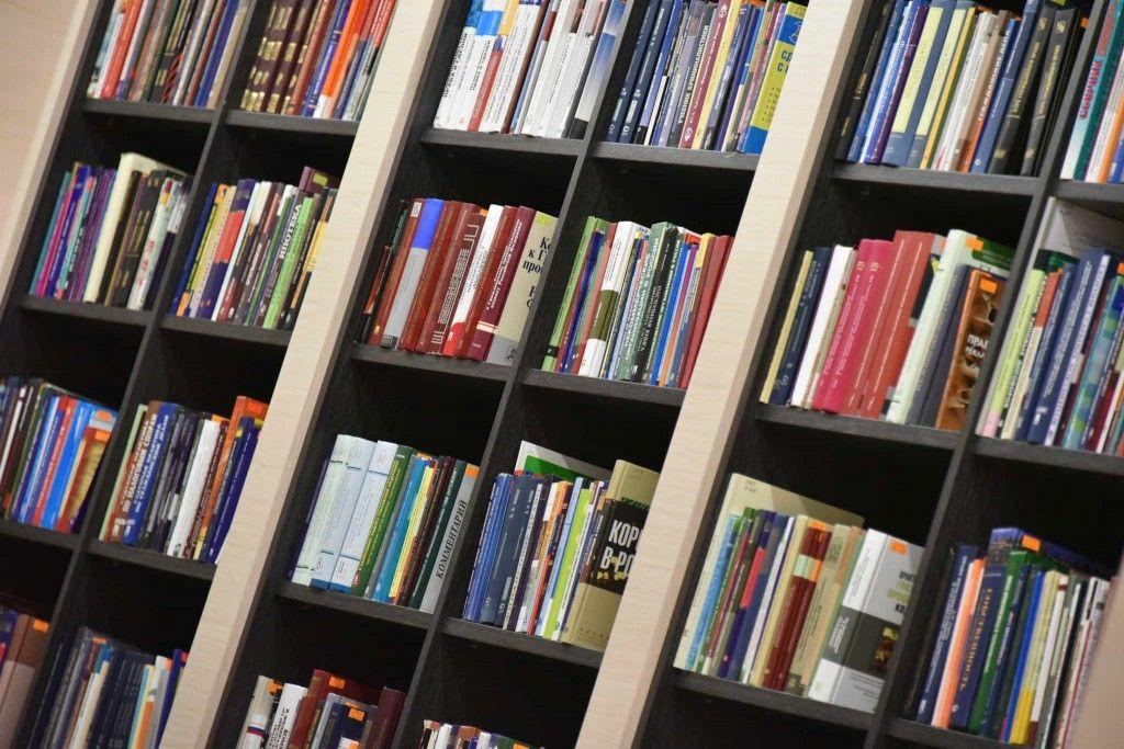 В ТОП-10 библиотек вошли «Братья Карамазовы» и «Ночной дозор»