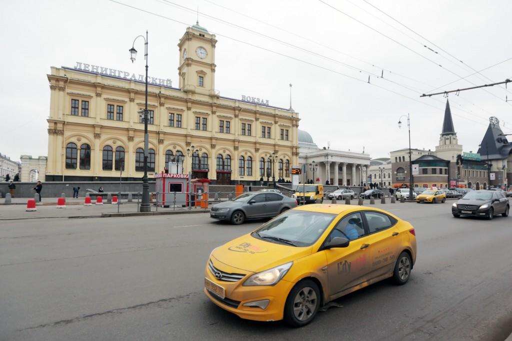Депутат Афанасий Рощин: создание дополнительных парковок для такси пойдет на пользу горожанам