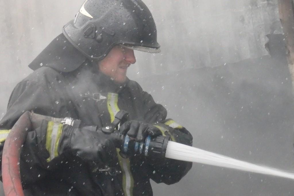 Около 30 человек эвакуированы из-за пожара в здании на Волоколамском шоссе