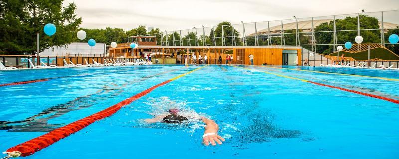 В «Лужниках» можно бесплатно поплавать