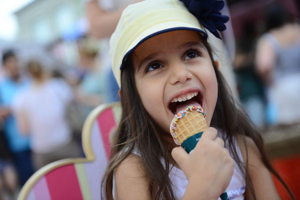 За две недели москвичи съели почти 100 тонн мороженого