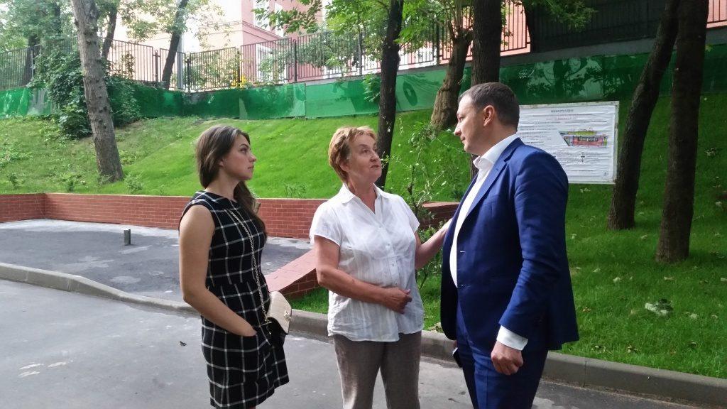 Глава управы Таганского района проверил благоустройство дворов