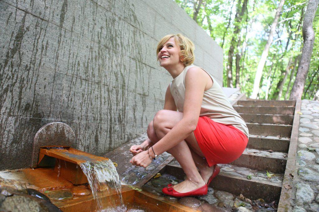 Воду в московских родниках признали непригодной для питья