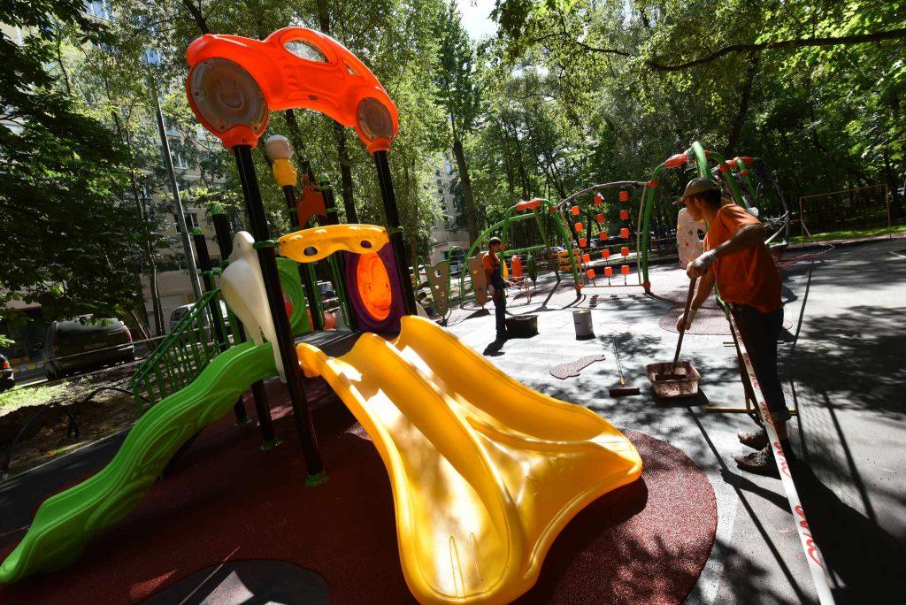 Игровая площадка для маломобильных детей откроется на ВДНХ