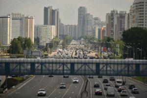 Движение автотранспорта из-за торжественного марша ограничат в центре Москвы 7 ноября