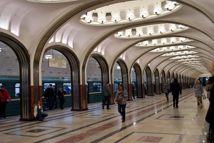 Исторические станции Московского метро получили QR-коды