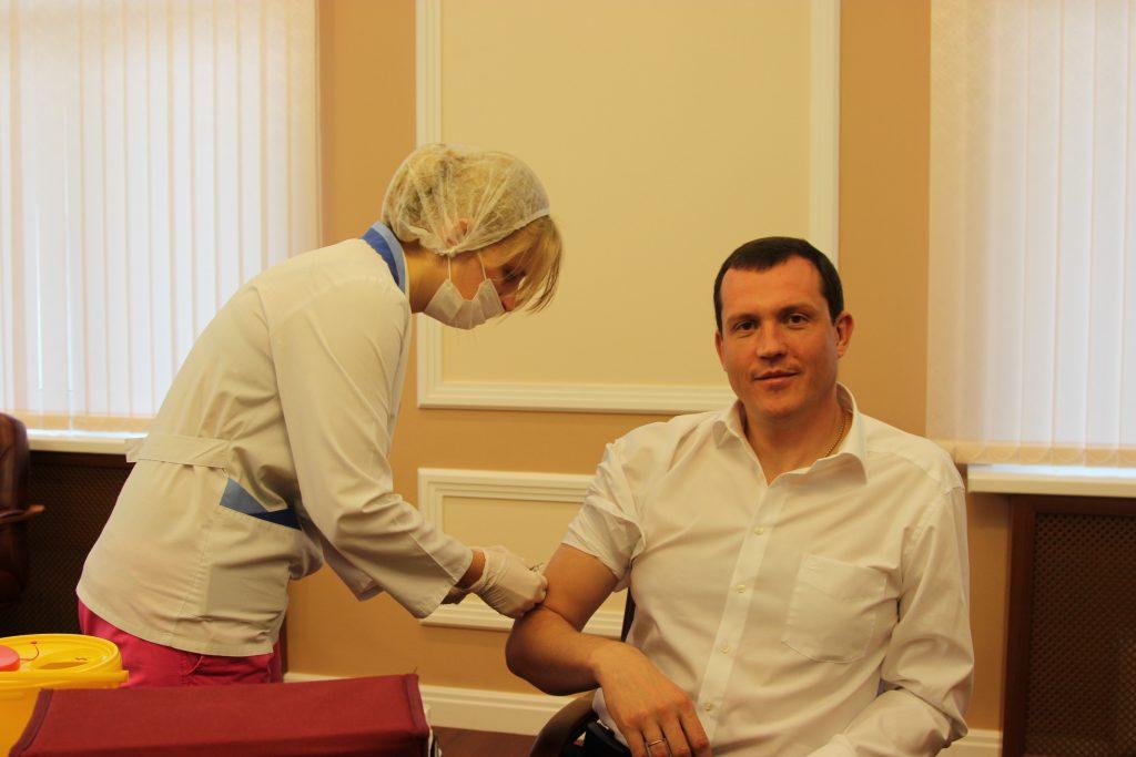 В Префектуре Центрального округа провели вакцинацию сотрудников