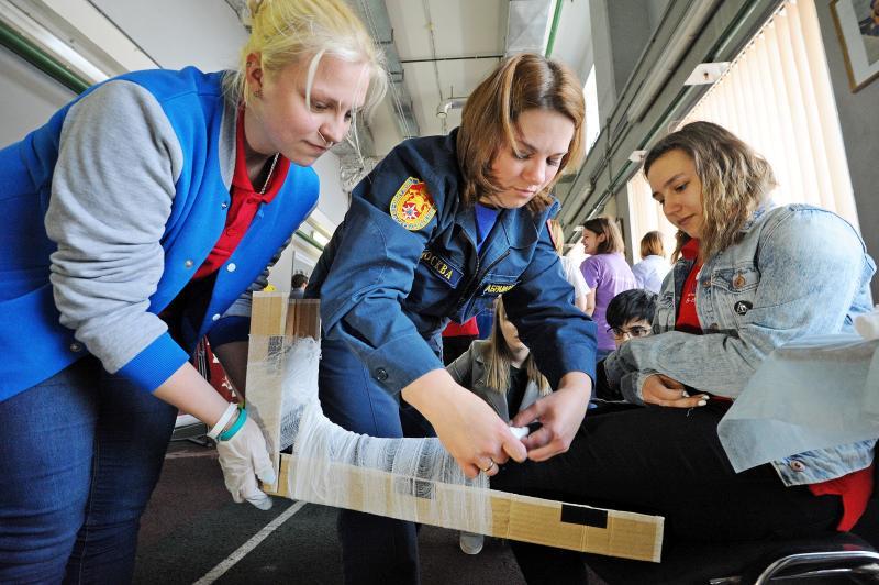 Волонтеры чемпионата мира по футболу смогут оказывать первую помощь