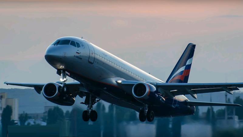 Молния повредила два самолета на подлете к Москве
