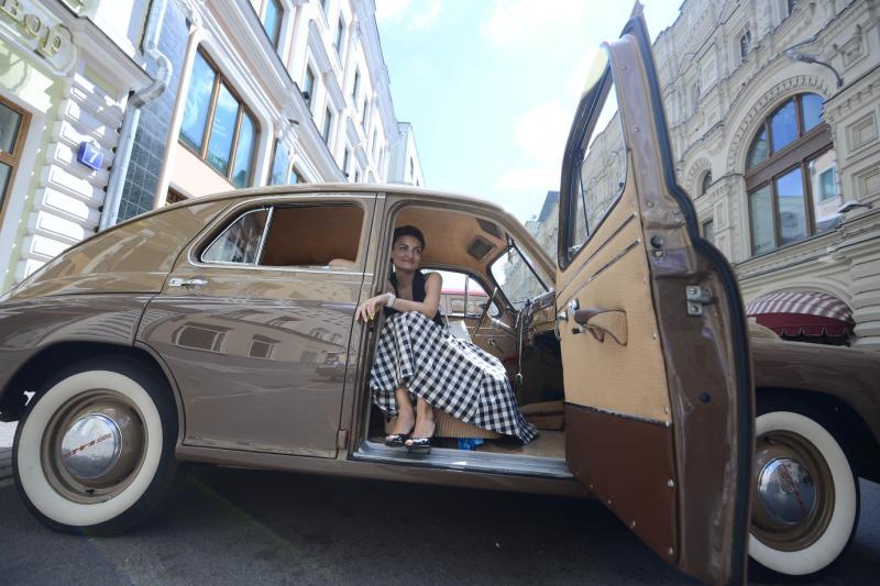 Ралли ретро-автомобилей состоялось на Боровицкой площади