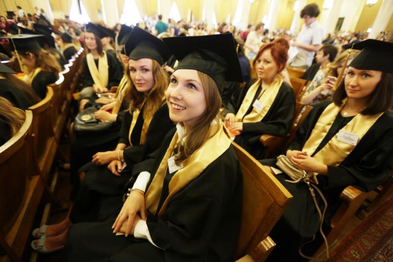 Должен ли работодатель предоставить учебный отпуск сотруднику для написания диплома