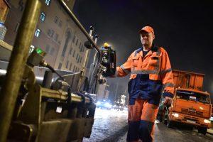 Асфальтовое покрытие на Садовом кольце будет обновлено к началу сентября. Фото: Антон Гердо, «Вечерняя Москва»