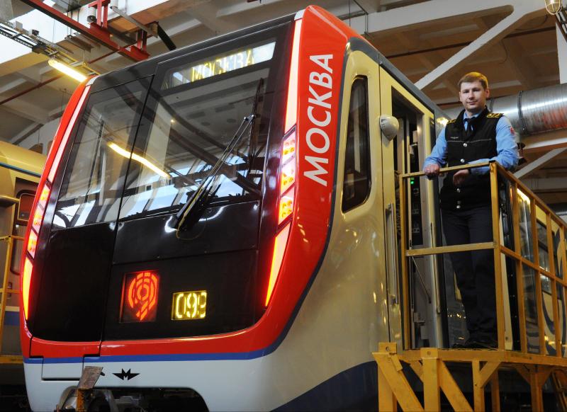 В метро запустили тематический поезд к 800-летию со дня рождения Александра Невского