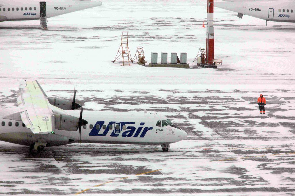 Аэропорты Москвы справились со снегопадом