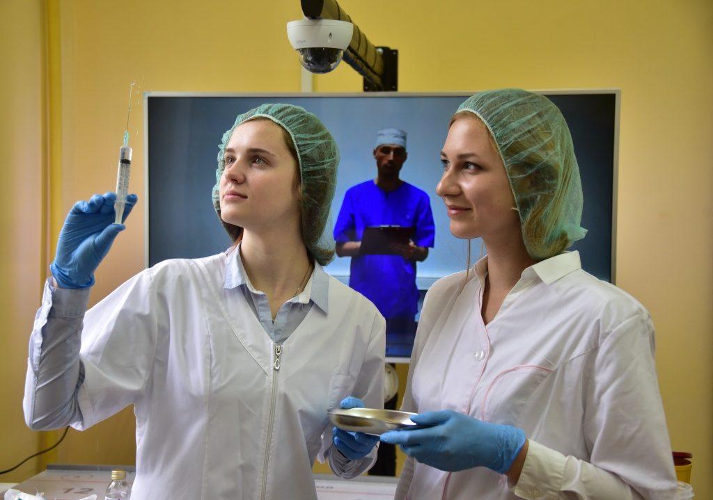 Школьники смогут подготовиться к поступлению в «Медицинские классы»