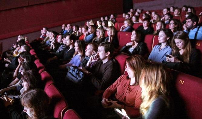 Показ новогодних кинолент организуют в Центре молодежного парламентаризма