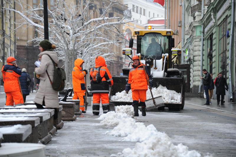 Коммунальные службы с начала зимы вывезли примерно 1,75 миллиона кубометров снега