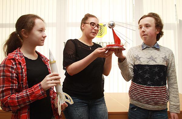 Гагаринский урок: покоряем космос