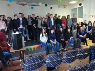Сотрудники полиции УВД по ЦАО прочитали профилактическую лекцию студентам колледжа. Фото: пресс-служба префектуры ЦАО