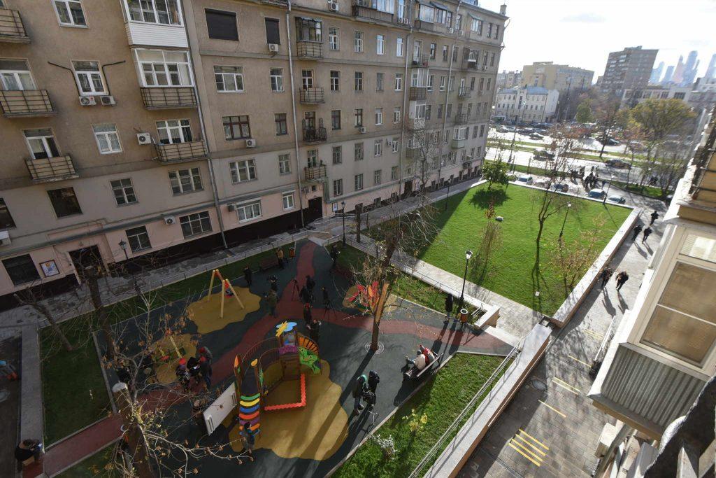 Территорию двора в Мещанском районе благоустроят