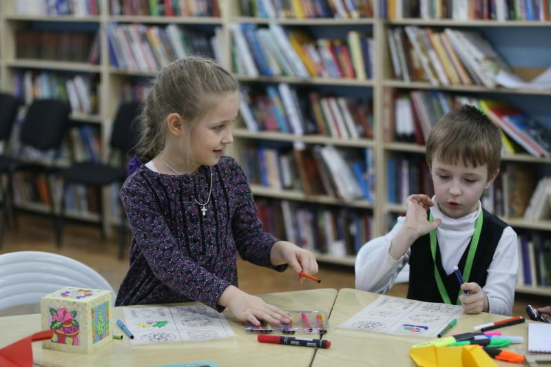 Встреча с детской писательницей пройдет в библиотеке имени Гайдара
