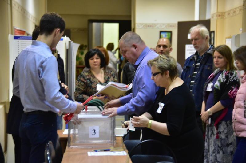 Мосгордума приняла закон о создании избирательных участков за пределами Москвы. Фото: Антон Гердо, «Вечерняя Москва»