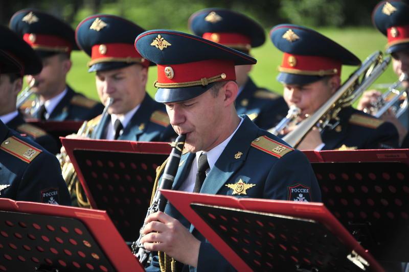 Более десяти столичных зон отдыха станут площадками для акции «Военные оркестры в парках»