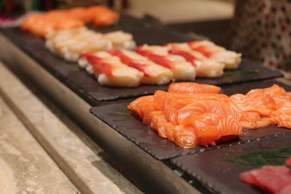 Сашими — деликатес из Страны восходящего солнца. Фото: pixabay.com