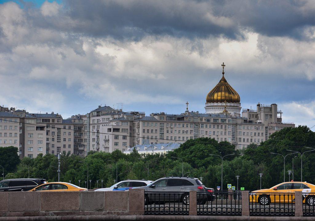 Синоптики рассказали, почему не стоит ждать жары в Москве