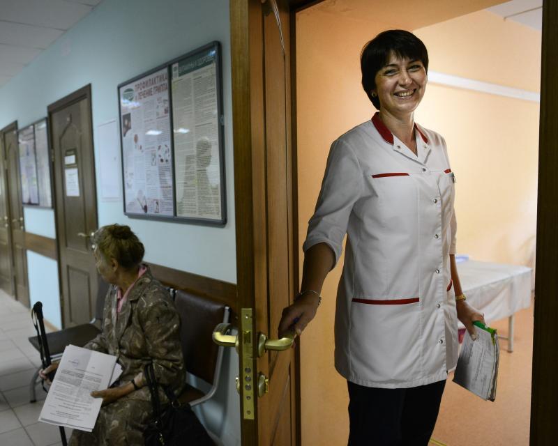 Москвичей пригласили на «Полдень с терапевтом»