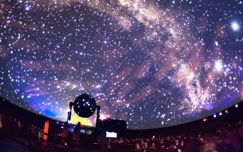 Бесплатный планетарий открыли на территории школы в Мещанском районе. Фото: сайт мэра Москвы
