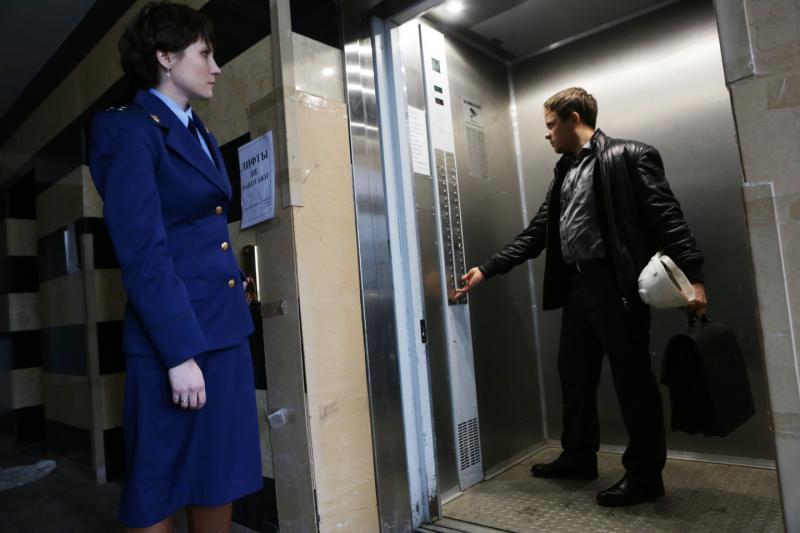 Первым в лифт должен заходить мужчина. Фото: Анна Иванцова