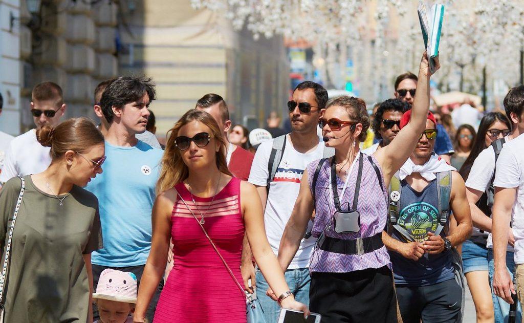 Прогулки по столице: для москвичей организуют пешеходные экскурсии