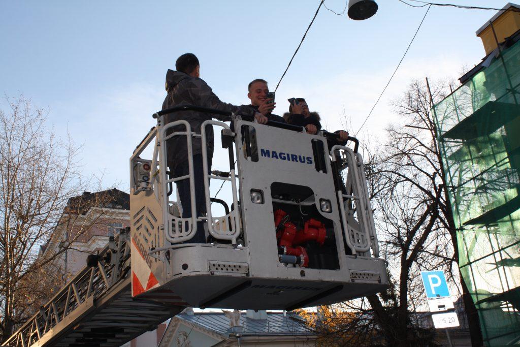 Огнеборцы Центрального округа проводят экскурсию для кадетов города Байконур