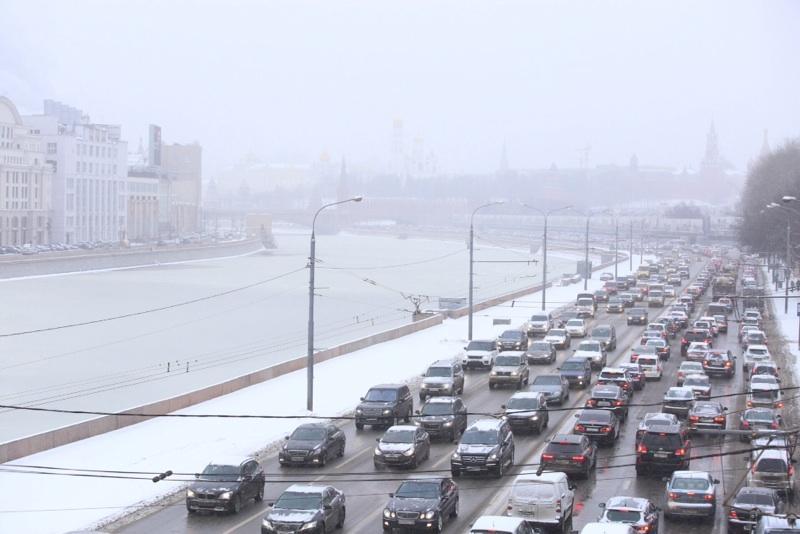 Москвичей ожидают затруднения на дорогах