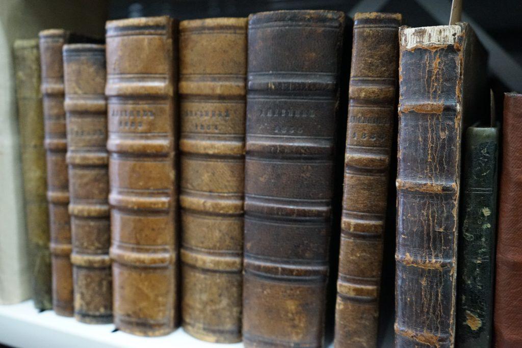 Семь дневников, в которых Роман Залога описывал свою жизнь на протяжении 12 лет. Фото: Михаил Прядко