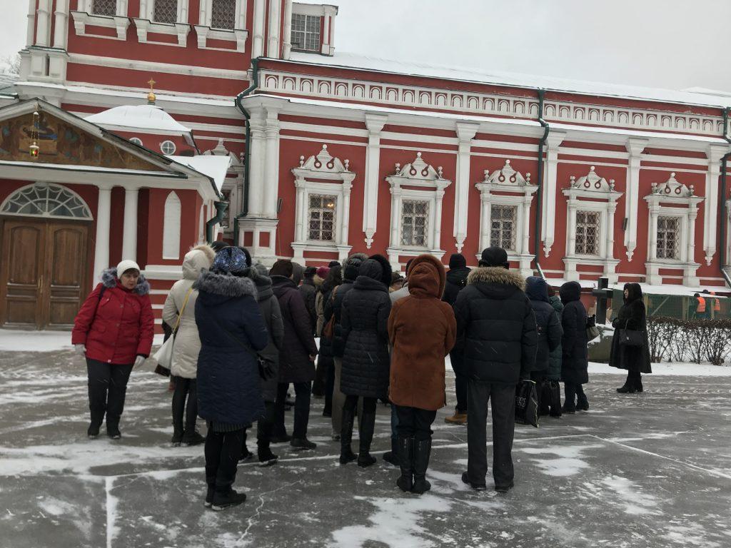 Экскурсию по Новодевичьему монастырю провели для москвичей