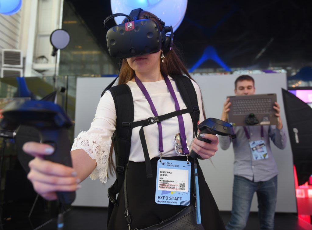 Экзамен в виртуальной реальности. Фото: Александр Кожохин, «Вечерняя Москва»