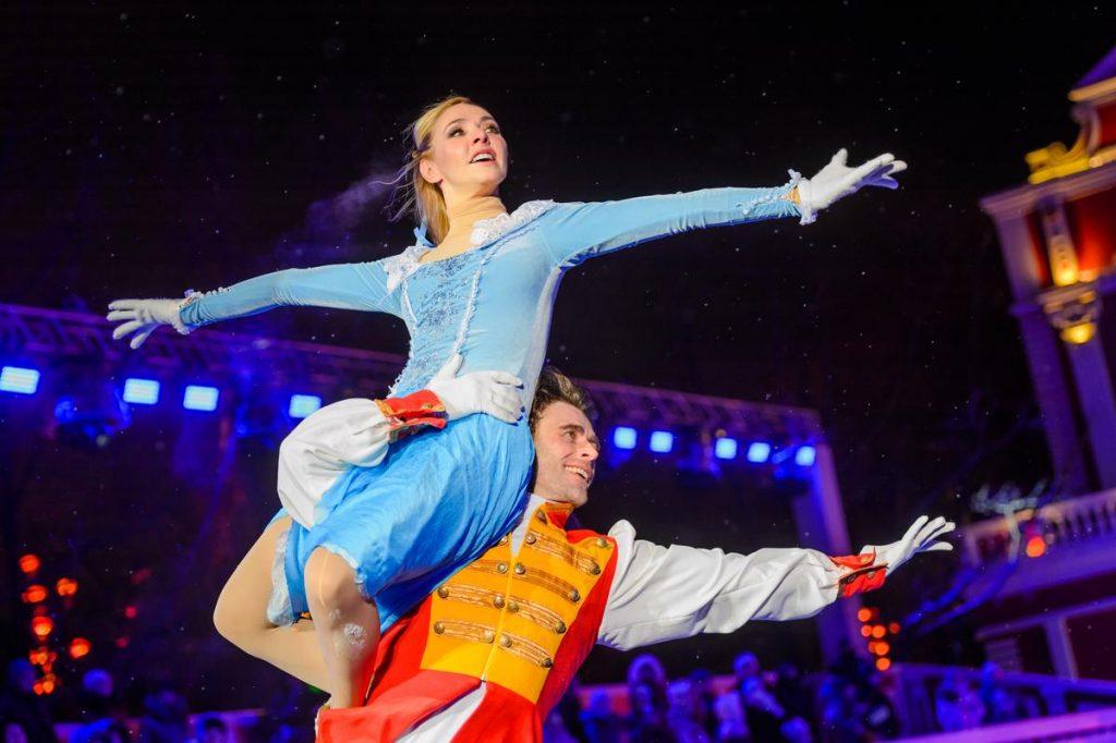 Фотофакт: сказочный балет «Золушка» на фестивале «Путешествие в Рождество»
