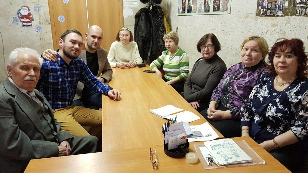 Депутат Басманного района встретился с жителями и обсудил насущные вопросы