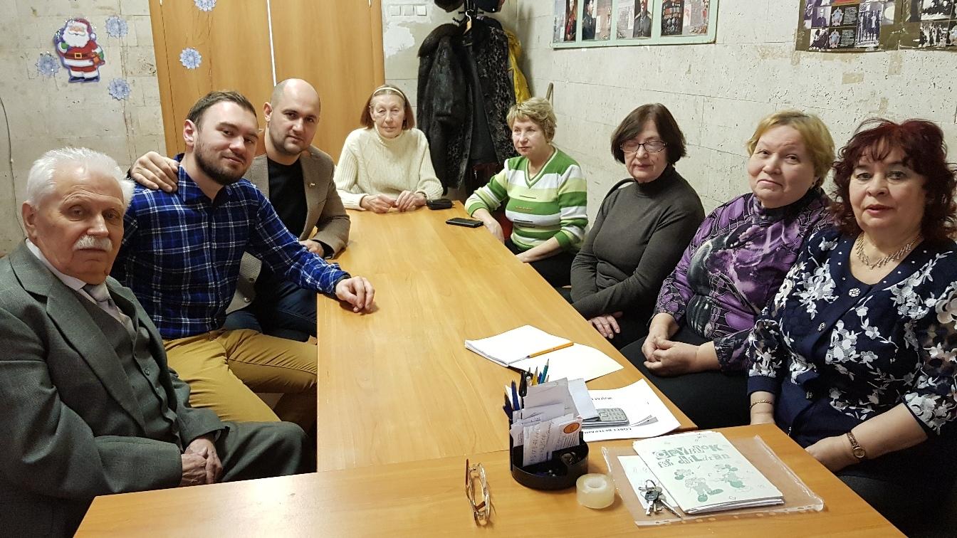 Депутат Басманного района встретился с жителями и обсудил насущные вопросы. Фото с личной страницы Олега Эстона в социальных сетях