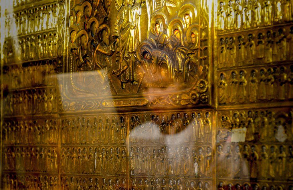 Храмы столицы пригласили москвичей на богослужение