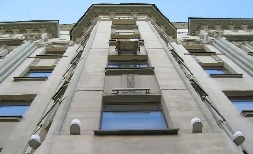 Дом с фигурой рыцаря на Большой Полянке признали памятником архитектуры