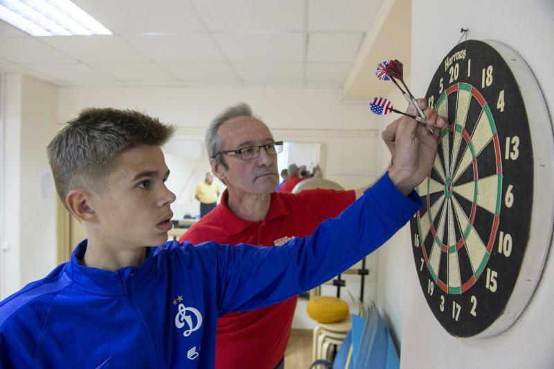 Окружные соревнования по дартсу устроят для пожилых москвичей в спортивном комплексе «Щемиловский»