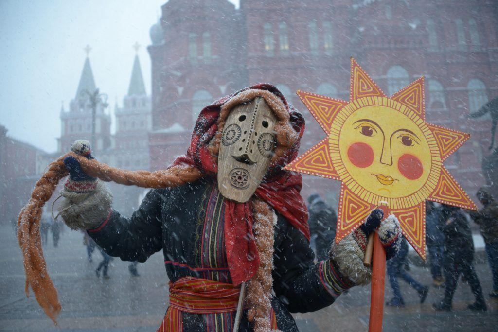 2 марта 2019 года. Ряженые зазывают весну. Фото: Наталья Феоктистова, «Вечерняя Москва»