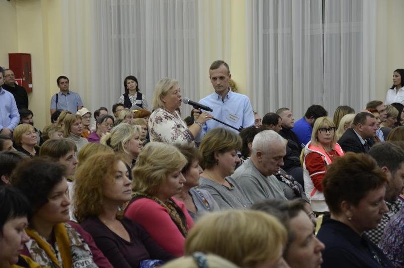 Первые публичные слушания по реновации прошли в шести районах Москвы. Фото: Анна Быкова